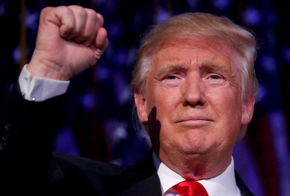 Trump EXPULSA jornalista da Casa Branca depois de DISCUSSÃO E INSULTOS! 43fce2f1c20