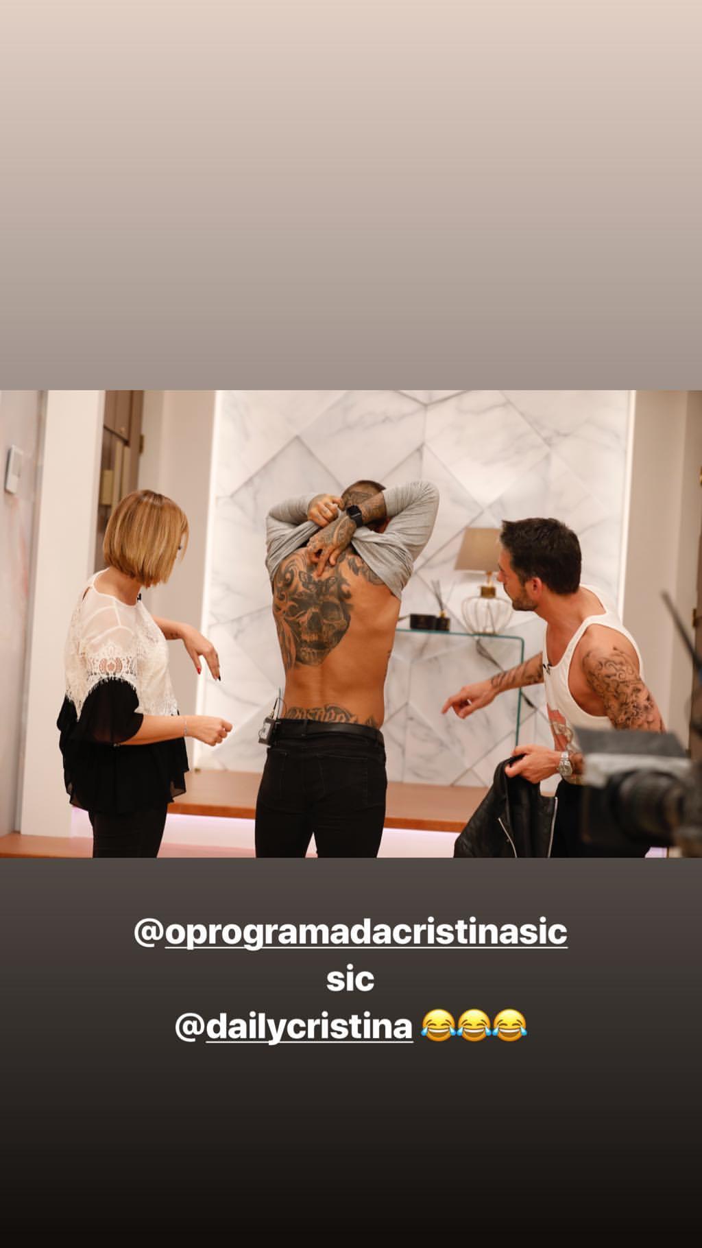 Cantor Todo Tatuado Brasileiro cláudio ramos surge todo tatuado e é criticado: «É horrÍvel»