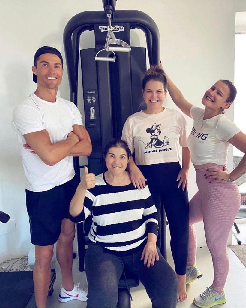 Cristiano Ronaldo, Dolores, Elma e Katia Aveiro