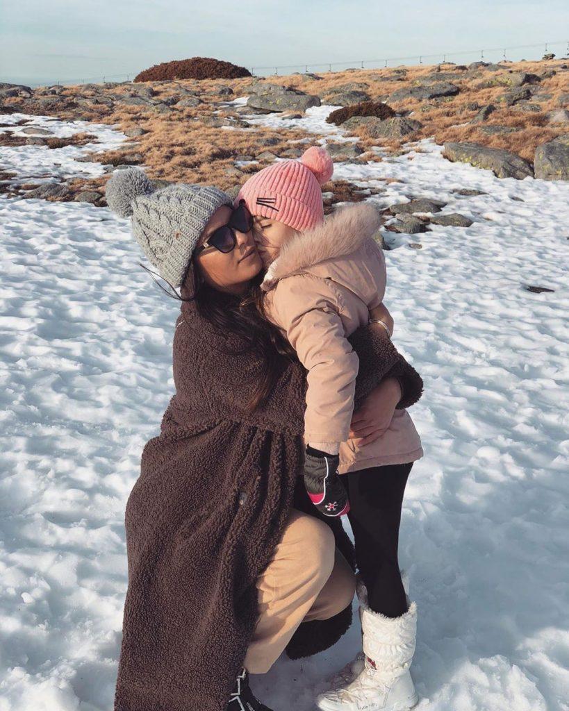 Sofia Sousa com a filha