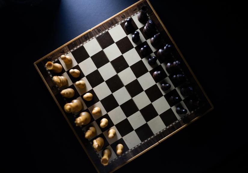 'Gambito de Dama' impulsiona interesse pelo xadrez e promove uma válvula de escape