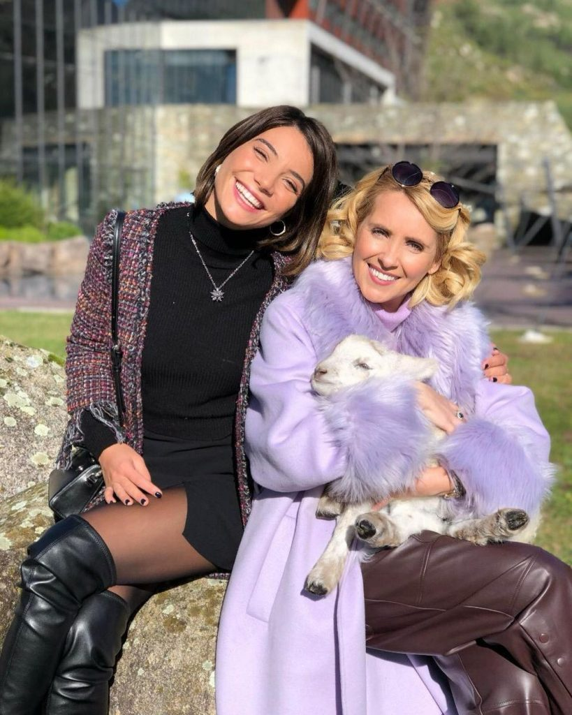 """Carolina Carvalho e Sofia Alves nas gravações da novela da SIC """"Serra"""""""