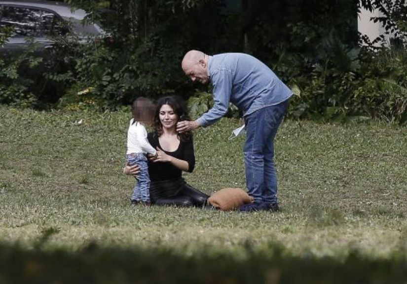 A TV 7 Dias apanhou Sara Barradas e José Raposo em clima de romance ao lado da filha, Lua