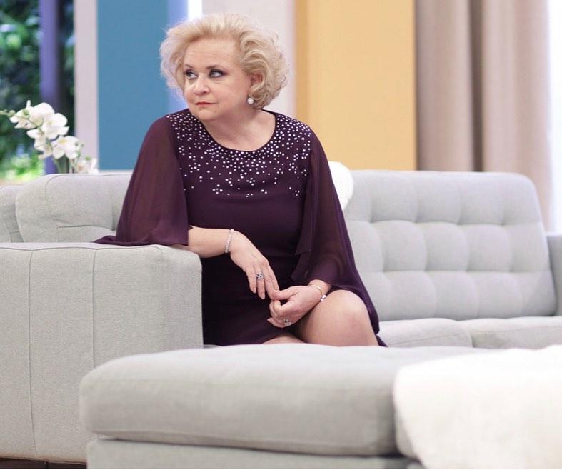 """Noémia Costa na sitcom """"Patrões Fora"""""""