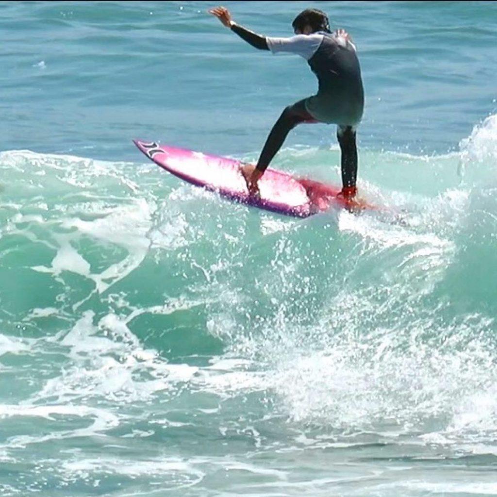 Foi com esta fotografia que Anna Westerlund anunciou que vai começar a praticar uma das grandes paixões de Pedro Lima: o surf
