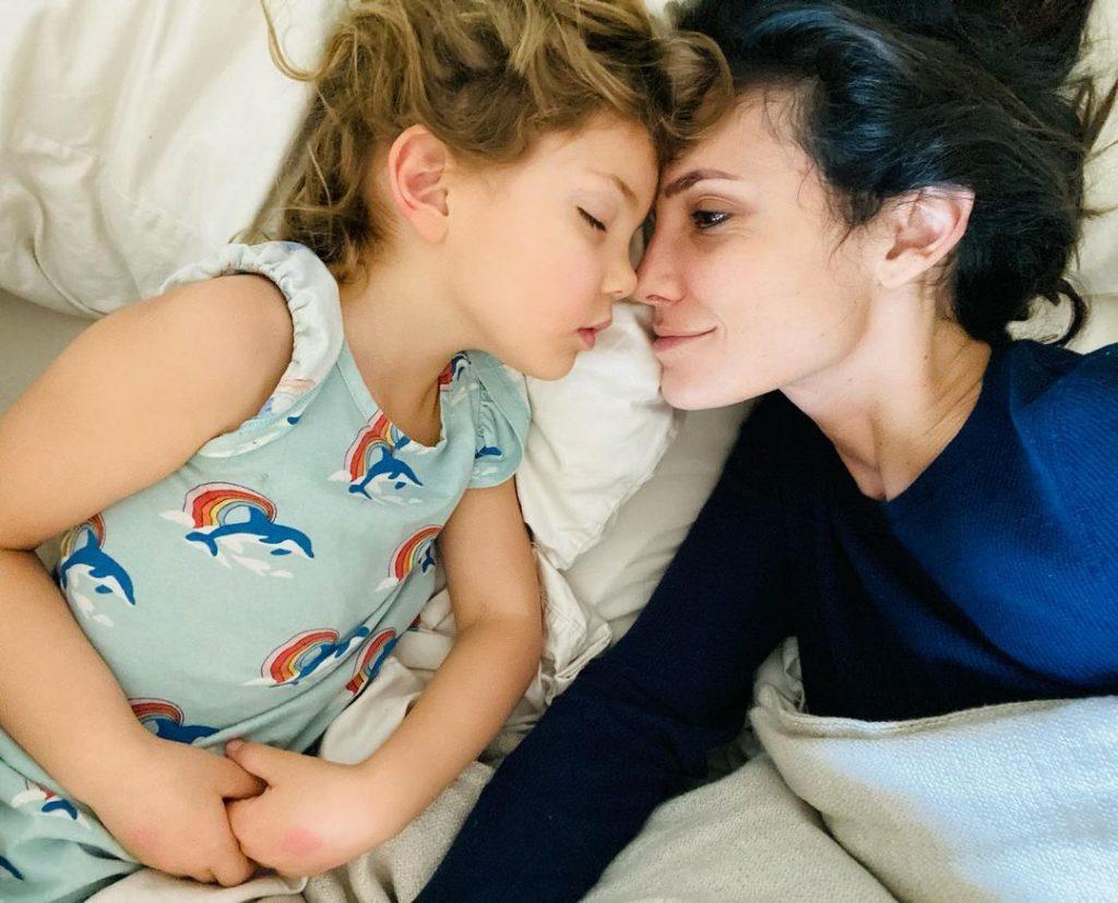 Daniela Ruah com a filha, Sierra