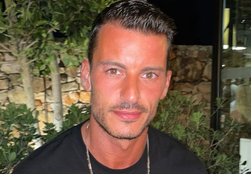 Ruben Rua é acusado de recorrer a cirurgias estéticas e responde
