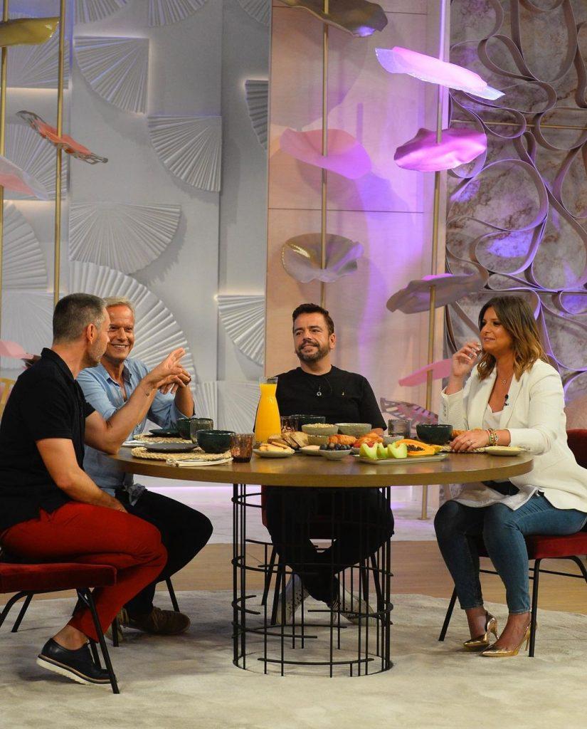 """Ricardo Carriço e Ricardo Castro à conversa com Cláudio Ramos e Maria Botelho Moniz no programa da TVI """"Dois às 10"""""""