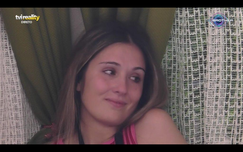 """No """"Big Brother"""", Rita Santos desfez-se em lágrimas por causa da suposta falta de condições na roulotte onde está a viver com António Bravo até ordem ao contrário"""
