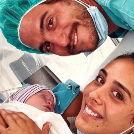 Tiago Teotónio Pereira e Rita Patrocínio com a filha