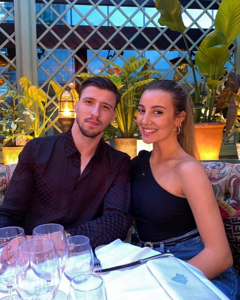 April Ivy e Rúben Dias colocaram um ponto final na relação que mantinham há três anos