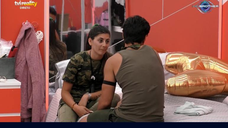 """No """"Big Brother"""", Ricardo Pereira e JoanaSchreyer cederam à tentação e beijaram-se finalmente na boca"""
