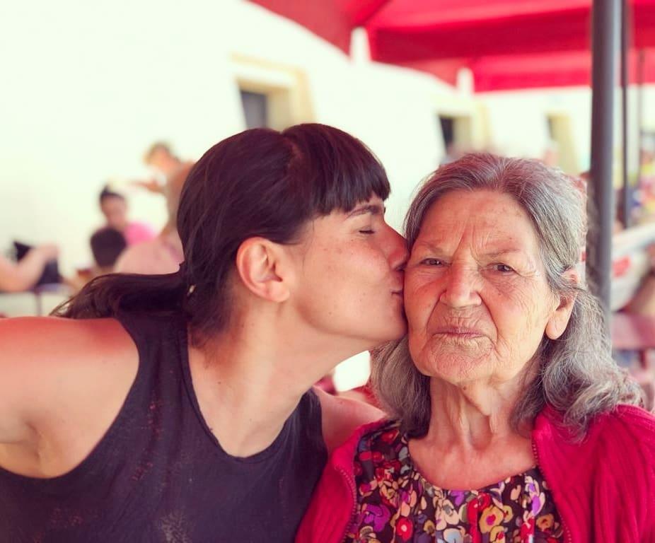 A jornalista da TVI Maria João Rosa e a mãe