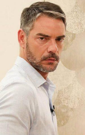 Insólito! Cláudio Ramos atende chamada da TVI… em direto n'O Programa da Cristina