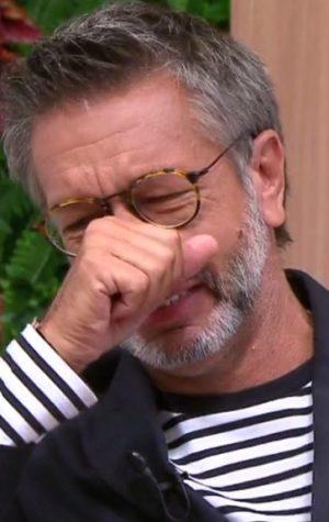 Sousa Martins emociona-se, em direto, ao ler carta que o pai lhe deixou antes de morrer