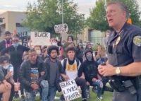 Caso George Floyd. Polícia aborda manifestantes e é aplaudido: «Nós adoramo-vos»