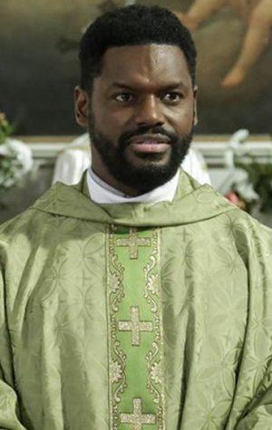 Reforço em Terra Brava: Novo padre chega à vila e beatas fazem-lhe a vida negra