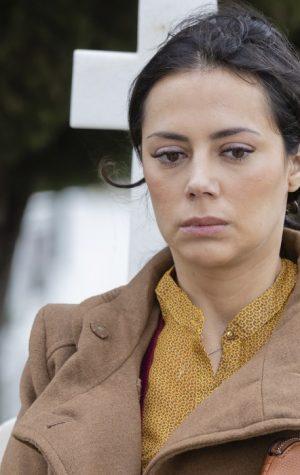 """Reviravolta em """"Amar Demais"""": Célia tem irmã gémea e rouba-lhe a vida"""